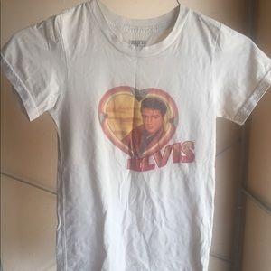 Tops - 🌟BOGO🌟Soft Elvis T-shirt
